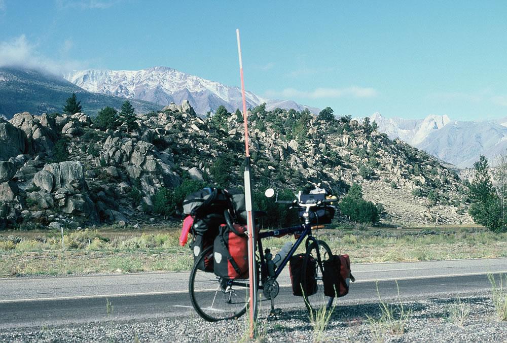 Bike44LeanPost