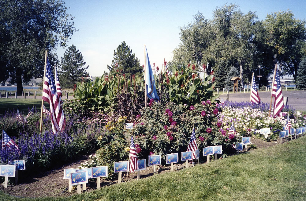 M102GardenFlags